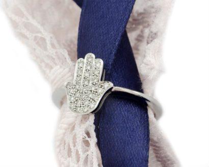 טבעת זהב לבן 14 קראט המושכת את העין  בצורת חמסה